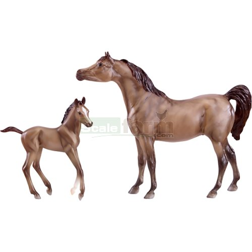 Arabian Horse and Foal (Breyer 62047)