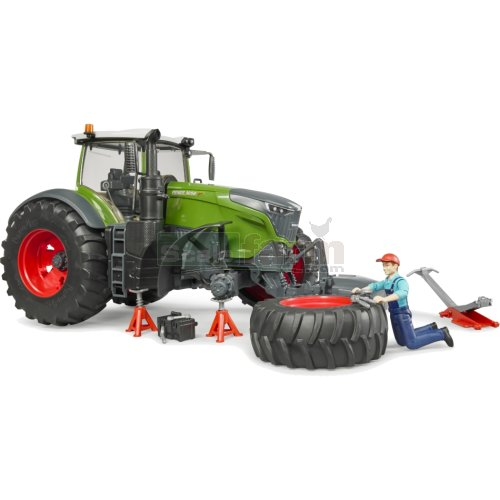 Fendt 1050 Vario Tractor with Mechanic and Accessories (Bruder 04041)