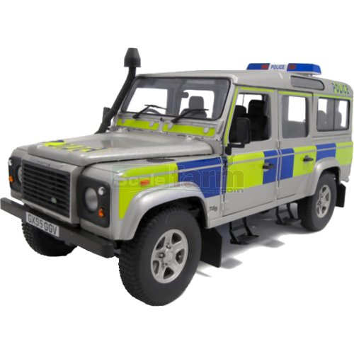 Land Rover Defender 110 Td5 Station Wagon - UK Police (Universal Hobbies 3885)
