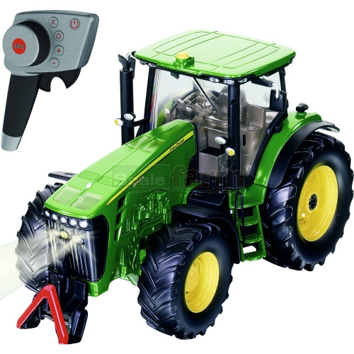 John Deere 8345R Radio Controlled Tractor (2.4GHz with Remote Control Handset) (SIKU 6881)