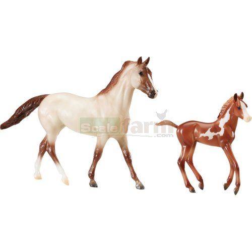 Running Wild - Mustang Horse and Foal (Breyer 62204)