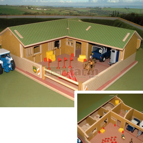 Wooden Stable Yard and Buildings (Brushwood BT8300)