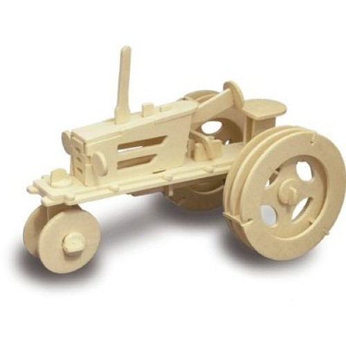 Tractor Woodcraft Construction Kit (Quay P309)