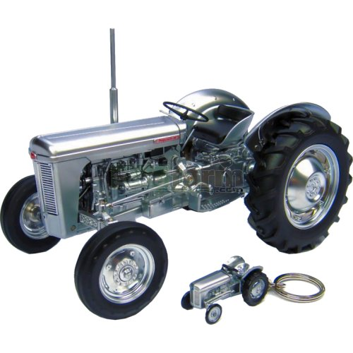Ferguson TO35 60th Anniversary Tractor and TEA 20 Keyring (Universal Hobbies 4862)