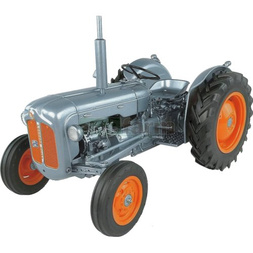 Fordson Dexta Launch Edition (1957) - Alexandra Palace (Universal Hobbies 5315)