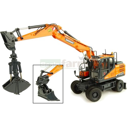 Doosan DX 160W Wheeled Excavator with Tilting and Clamshell Buckets (Universal Hobbies 8134)